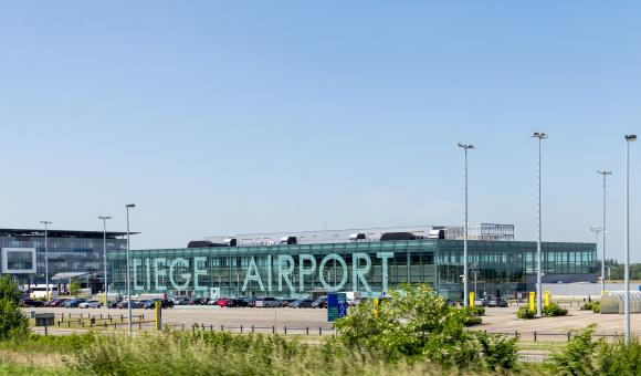 © Raimond Spekking / CC BY-SA 4.0 (via Wikimedia Commons), Liège Airport - Passenger Terminal-9298, CC BY-SA 4.0